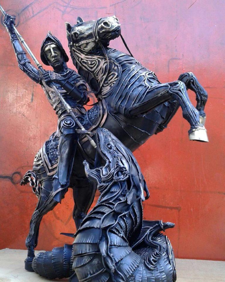 """Кованая скульптура """"Всадник"""""""