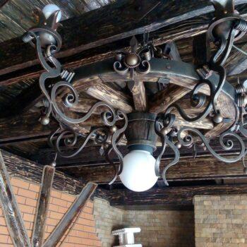 Подвесная кованая люстра в средневековом стиле ручная работа