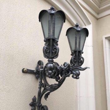 Кованый уличный фасадный фонарь
