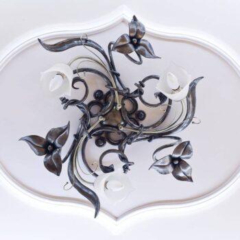 Кованая потолочная люстра цветок ручной работы